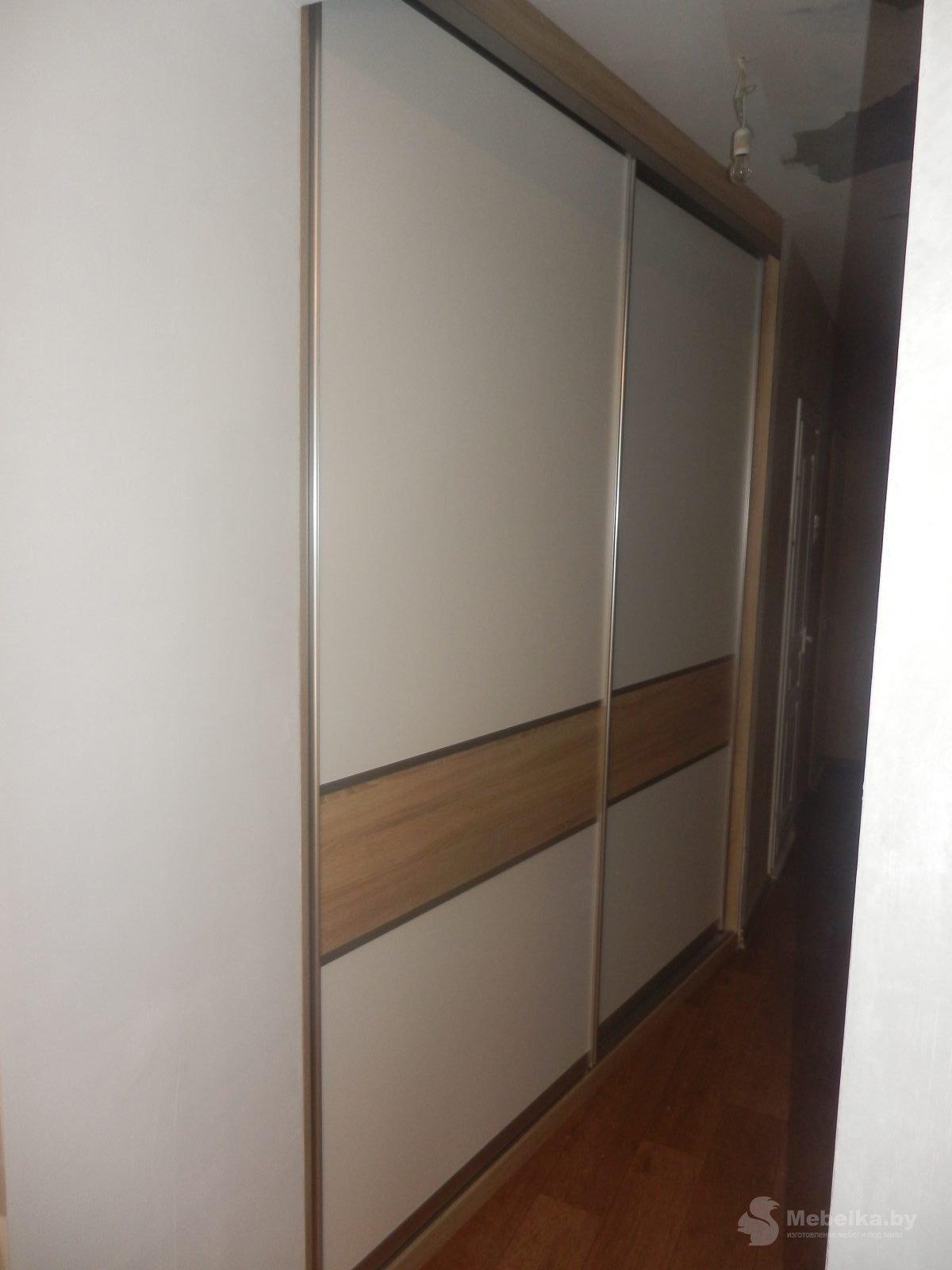 Двери-купе гардеробной белый и дуб, вторй вид