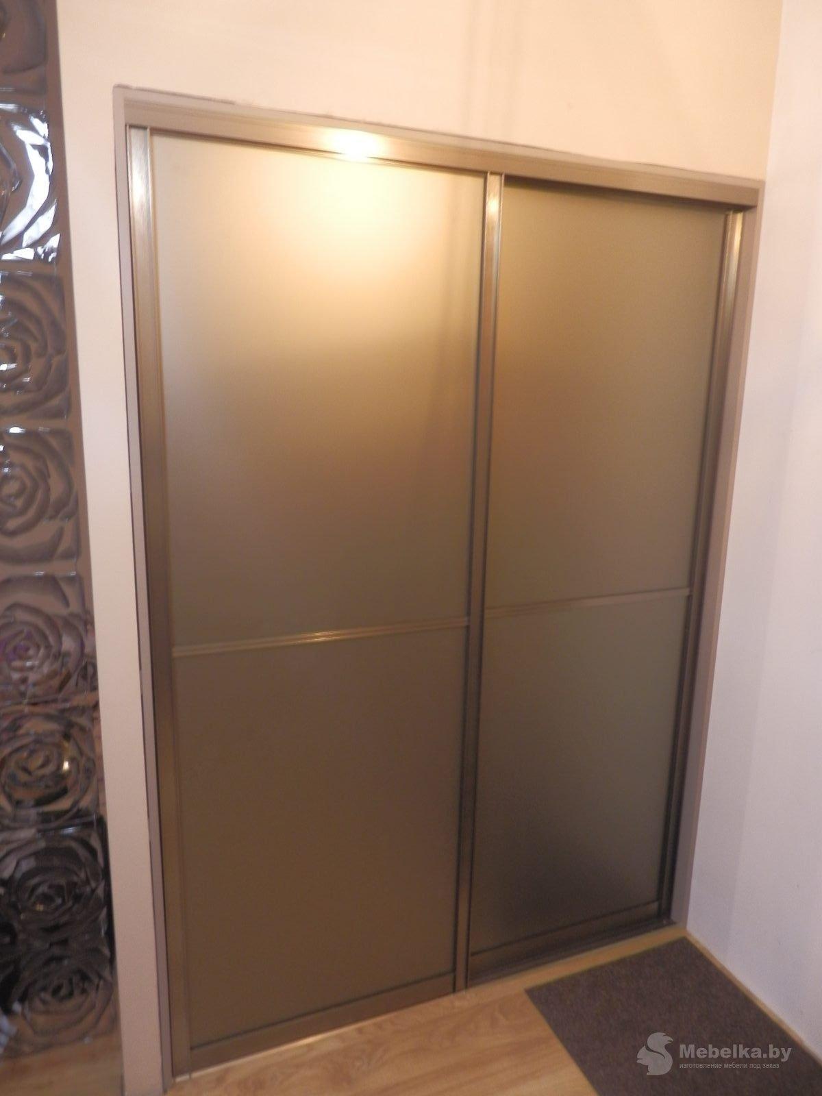 Раздвижные двери-купе. Зеркало бронза сатин. Профиль шампань браш