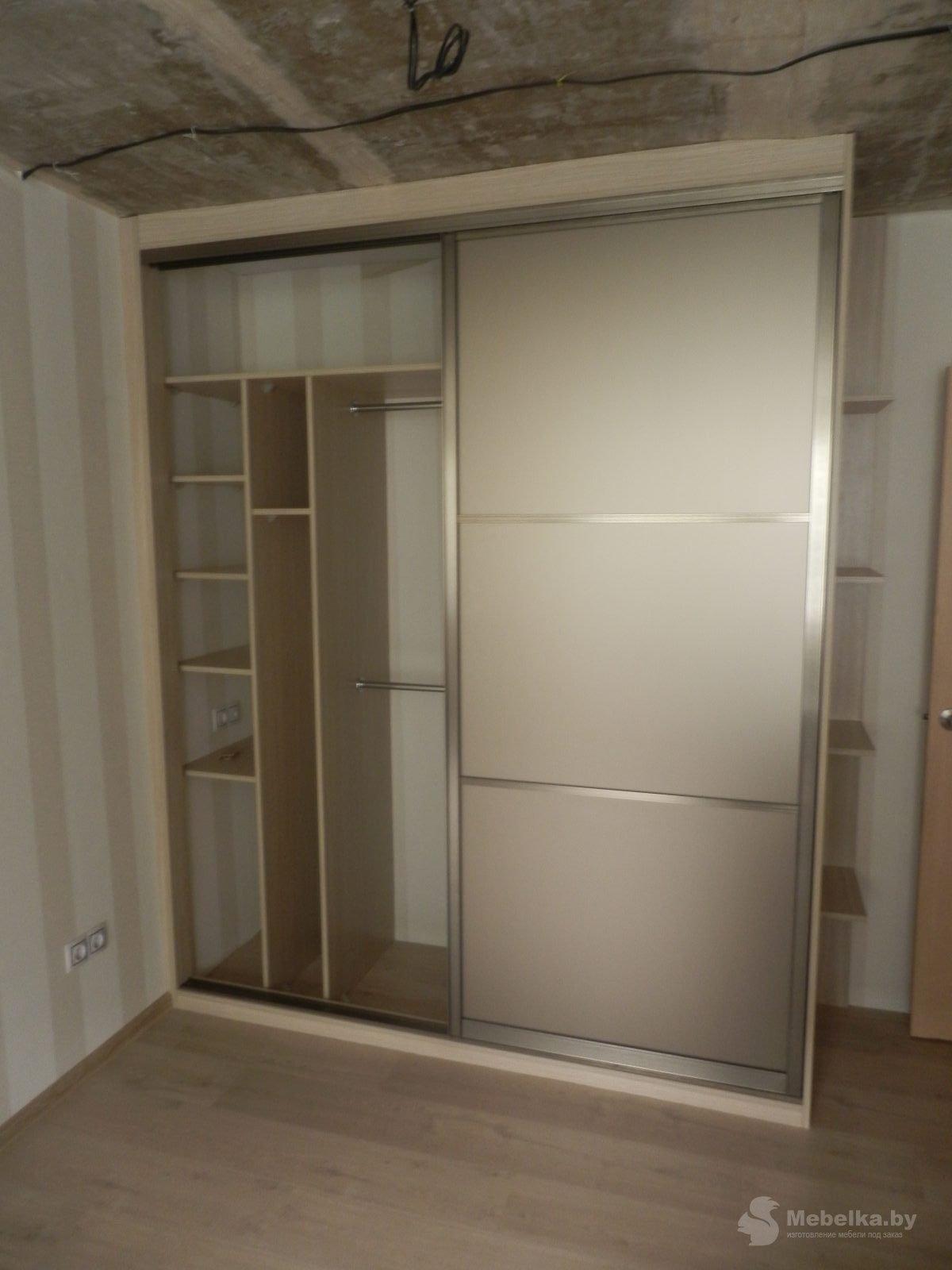 Шкаф-купе с зеркалом бронза сатин вид 3