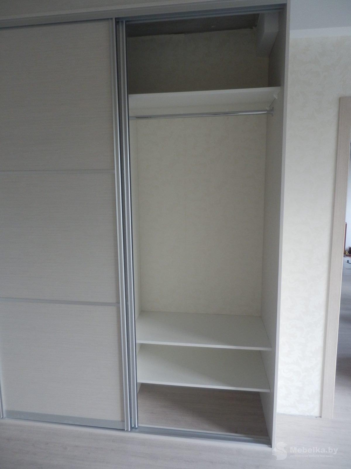 Шкаф-купе в спальне вид 4