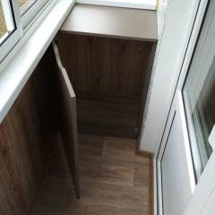 Шкафчик на балкон темный открыт