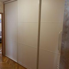 Белые двери для шкафа-купе