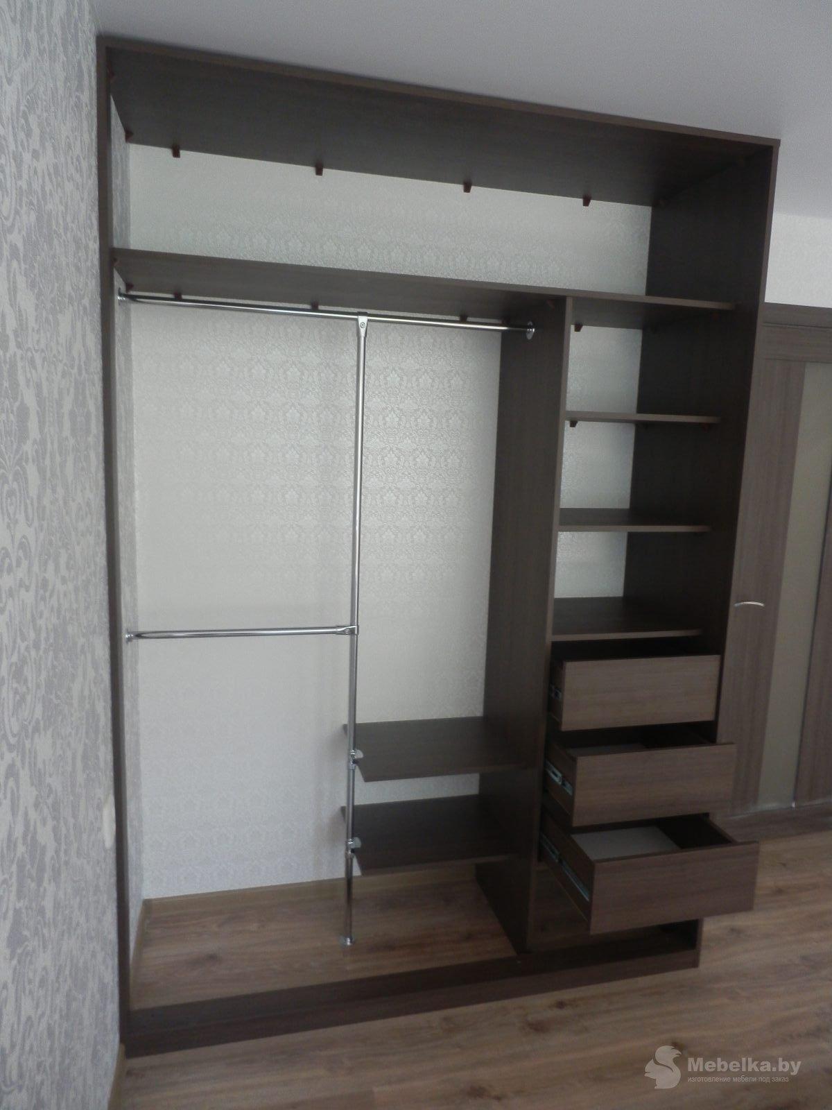 Шкаф-купе с пескоструйным рисунком на зеркале вид 3