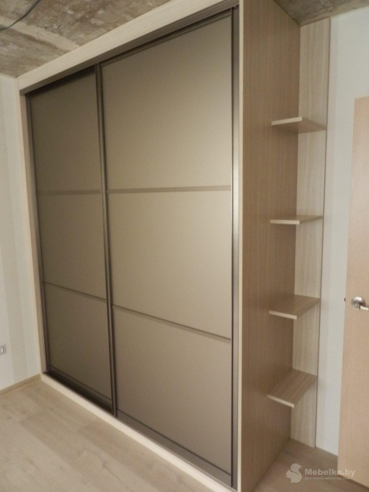 Шкаф-купе с зеркалом бронза сатин вид 2