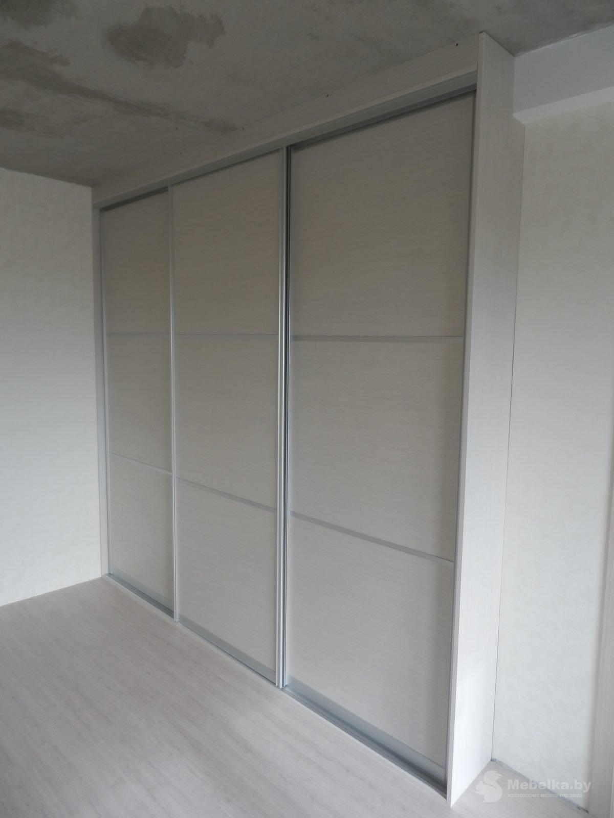 Шкаф-купе в спальне вид 1
