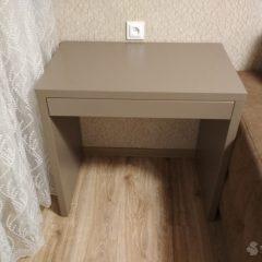 Стол с шуфлядой