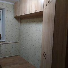 Угловой шкаф с антресолью. Вид 1