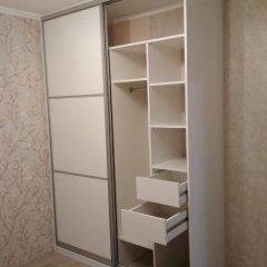Белый глянцевый шкаф-купе. МДФ AGT (1)