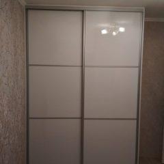 Белый глянцевый шкаф-купе. МДФ AGT (4)