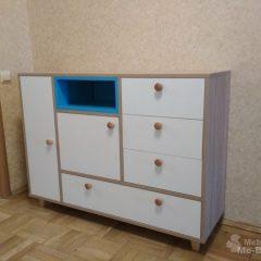 Комод с синей нишей с деревянными ручками(3)