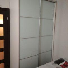 Корпусный шкаф-купе. Двери — стекло Лакобель (1)