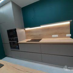 Кухня с зелеными стенами (12)