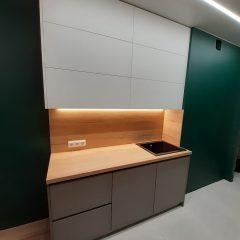 Кухня с зелеными стенами (8)