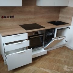 Маленькая белая кухня с пеналом и столешницей Дуб Небраска (8)