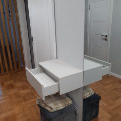 Подвесной ящик в прихожей (1)