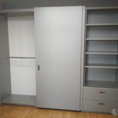 Шкаф-купе со стеллажем. Подвесная система (скрытые направляющие) (1)
