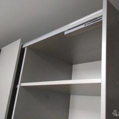 Шкаф-купе со стеллажем. Подвесная система (скрытые направляющие) (3)