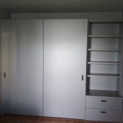 Шкаф-купе со стеллажем. Подвесная система (скрытые направляющие) (7)