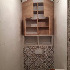Шкафчик в санузел с люком для комуникаций (11)