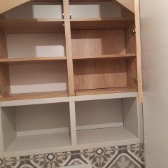 Шкафчик в санузел с люком для комуникаций (2)