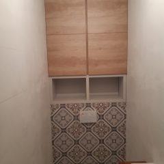 Шкафчик в санузел с люком для комуникаций (3)