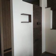 Тумба под ТВ и полки в гостинной (3)
