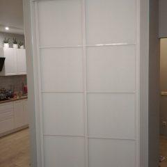 Угловой шкаф-купе с гардеробной системой Planum. наполнение дверей стекло мателак (4)