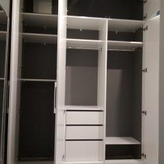 Встроенный белый шкаф (5)