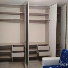 Встроенный шкаф. Серый глянец (крашеный МДФ) (4)